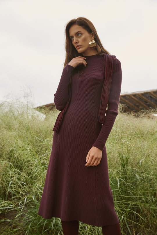 Плотное платье миди из вискозы